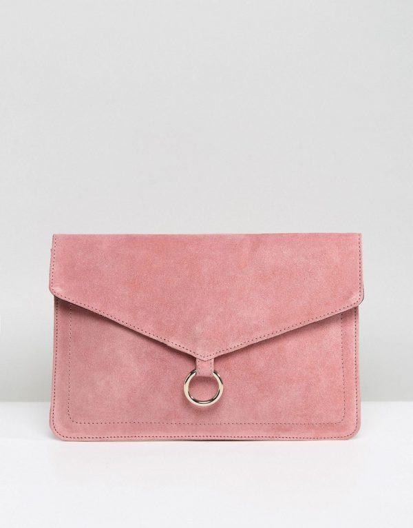 ASOS DESIGN suede envelope clutch bag with ring detail - Pink