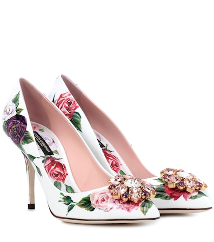 Floral-printed patent leather pumps